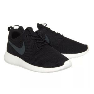 Nike Roshe One size 11 men's black sail anthracite